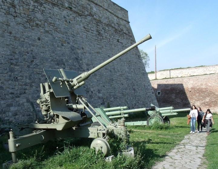 звуки взрывов и зенитной артиллерии скачать
