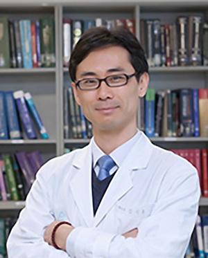 Госпиталь Сунчонхян Психолог Ким Вон Хэ. ГБ-шник он, а не этот самый...