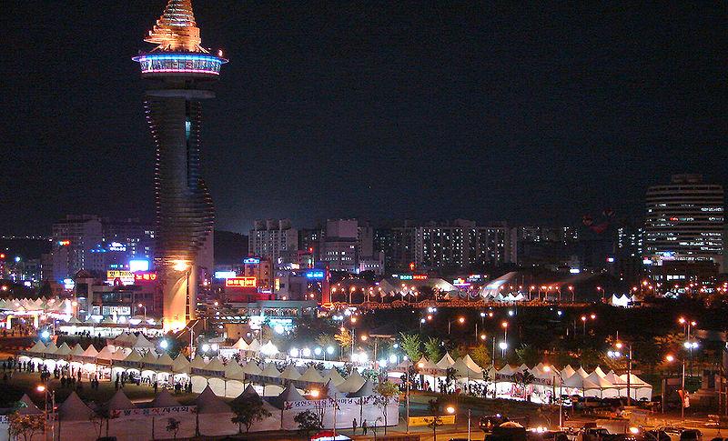 Сокчхо - в основном туристический город. Центр Expo Tower