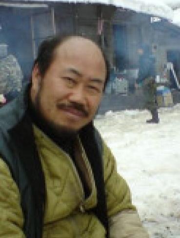 В роли первого наставника по физвоспитанию Кан Ён Гю Kang Yong Gyu