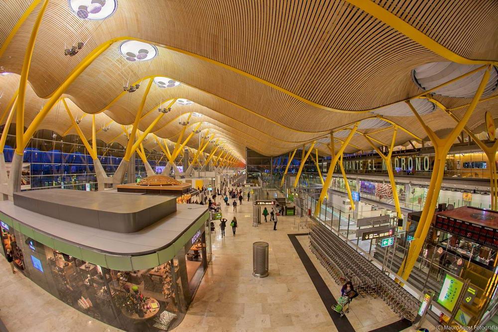 Аэропорт Барахас. Мадрид. Инчхон конечно красивый, но Барахас это красотища. - если ссылка не найдена