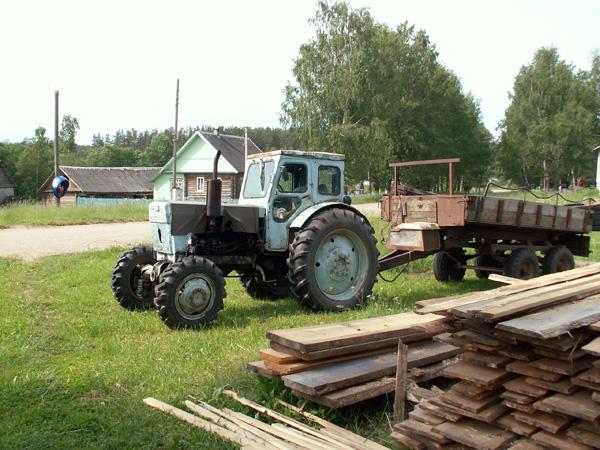 Знакомый трактор Т-40 Николай Чуксин.