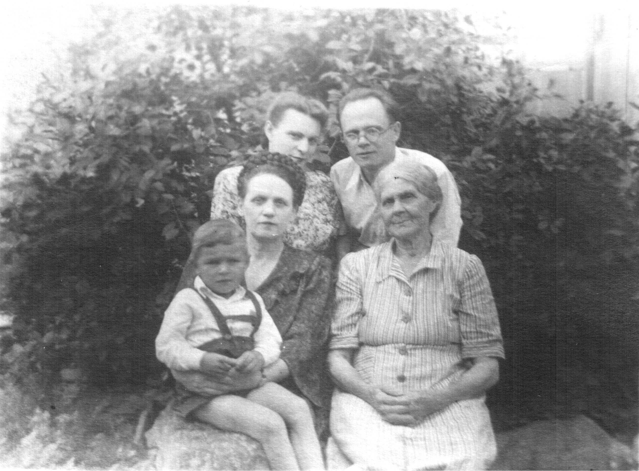 Старая жирная бабка 23 фотография