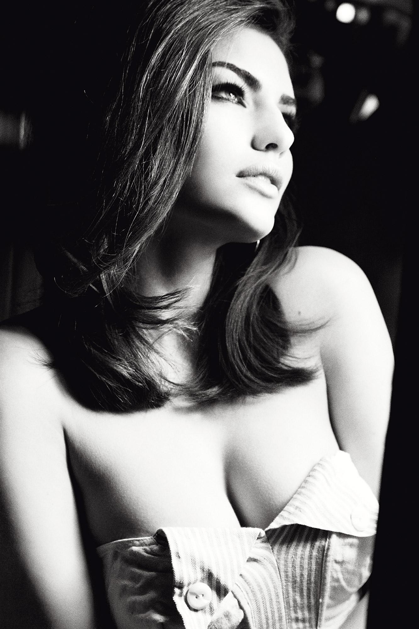 Чёрно белые фотографии красивых девушек 5 фотография