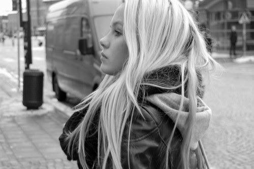 kartinki-chernoe-belie-blondinki
