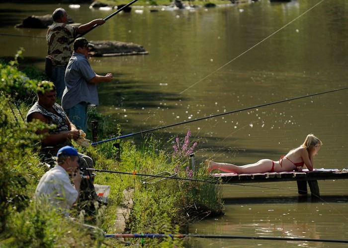 тот кто ловит рыбу обычно на удочку кто это