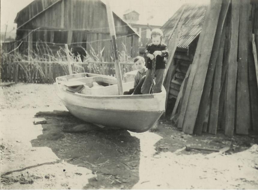 лодку построил мой отец градского