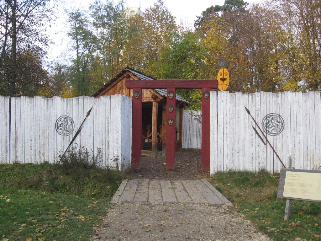 Старое бомбоубежище, превратили в винный погреб