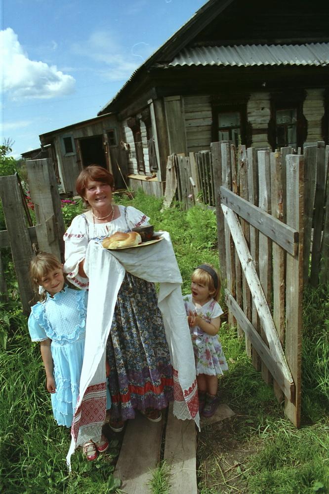 Кино обыкновенная русская семья отчим спит с падчерицей фото 495-368