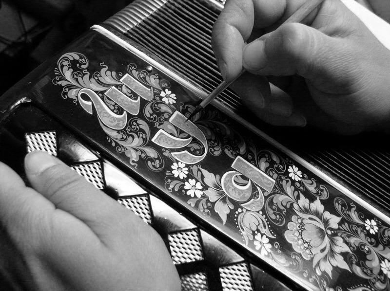 Как разукрасить гармонь своими руками 116