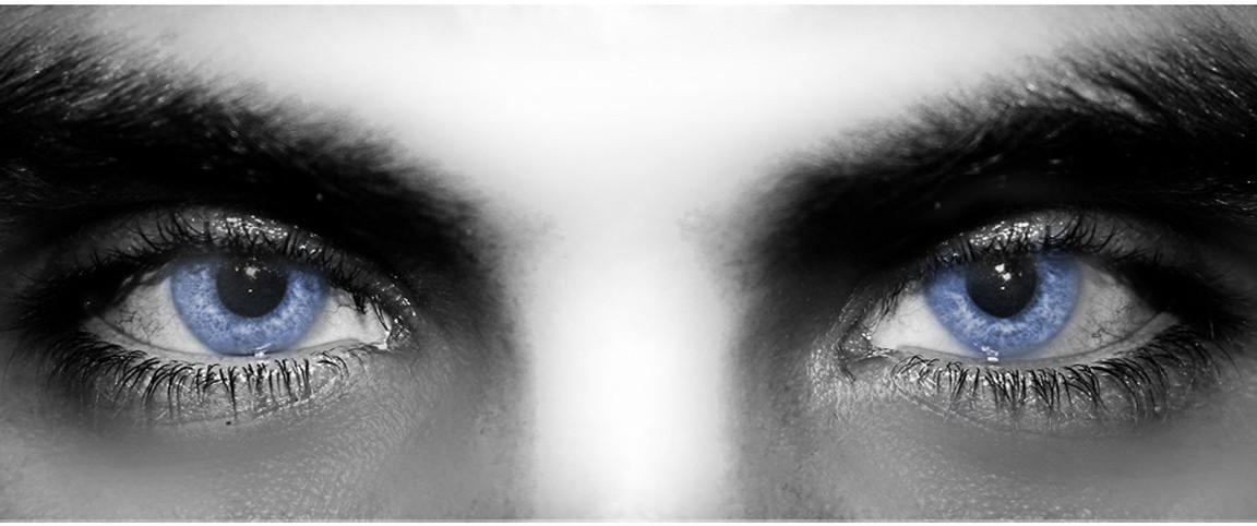 Я провалился в твои голубые глаза меня привлекла твоя задница