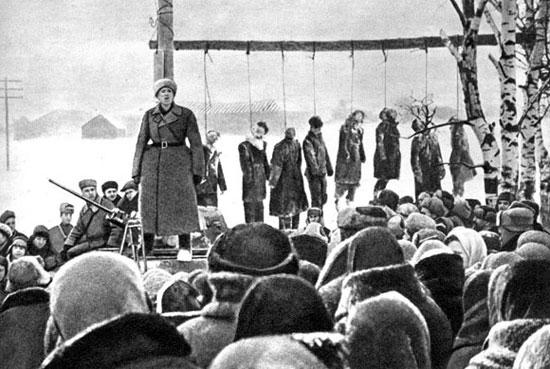 Волоколамск. Митинг на месте казни советских граждан