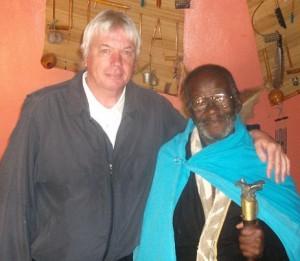 Зулусский шаман и старейшина из ЮАР КРЕДО МУТВА .