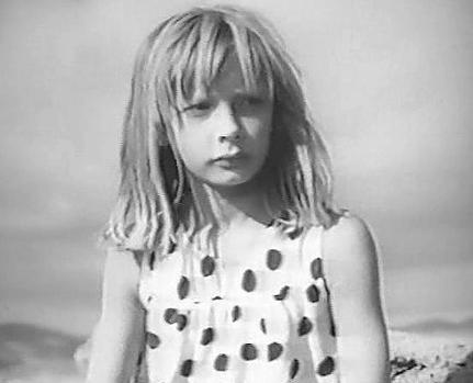 Стеснительная девочка голая фото фото 688-60