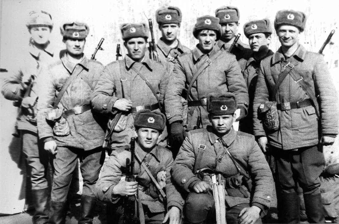 Порнография мужчин солдат с женщинами